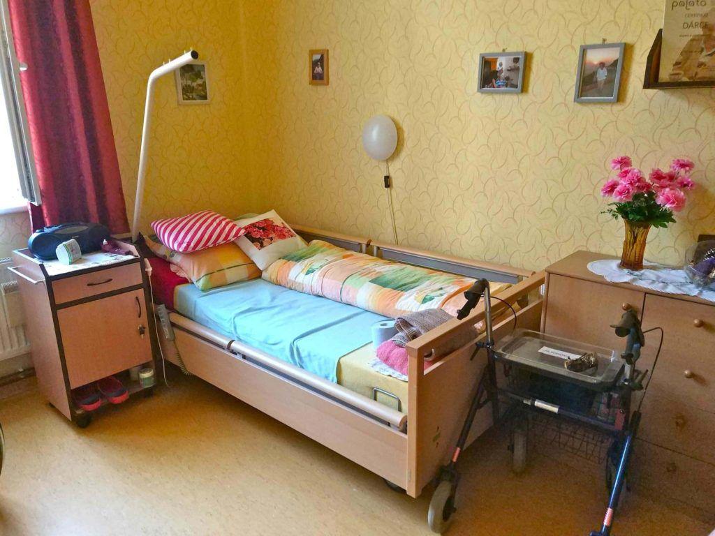 Chambre typique d'un résident de l'EHPAD Palata à Prague