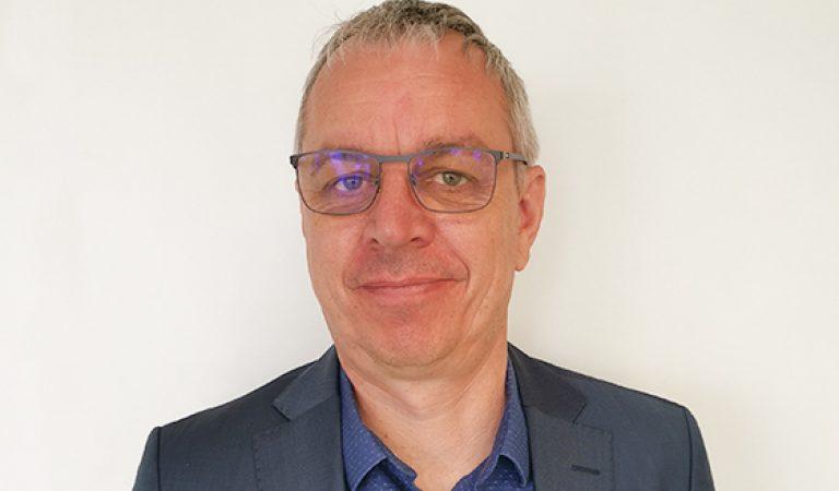 Portrait de Christophe Gillard directeur EHPAD La Roseraie Maine-et-Loire
